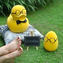 Dekorativ figurand med glasögon gul, rolig sommardekoration, dekorativ anka flockade