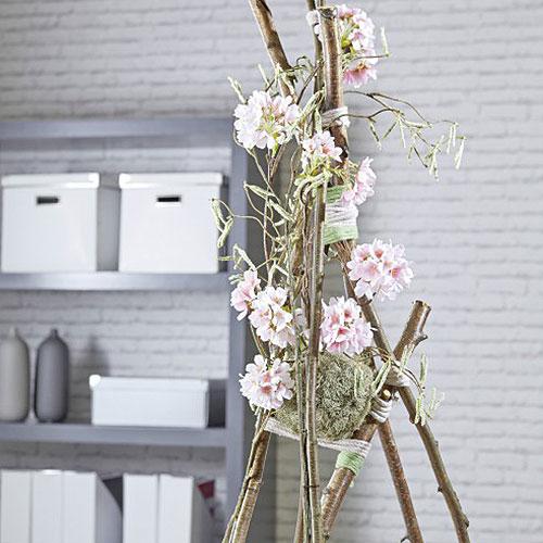 Blommig skumkula Ø20cm